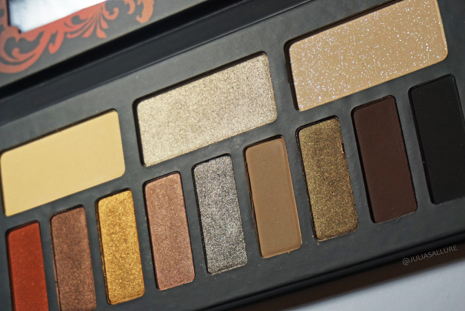 Kat Von D Monarch Eyeshadow Palette Review Amp Swatches