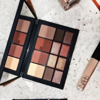 "NARS ""SKIN DEEP EYE PALETTE"" REVIEW + SWATCHES"